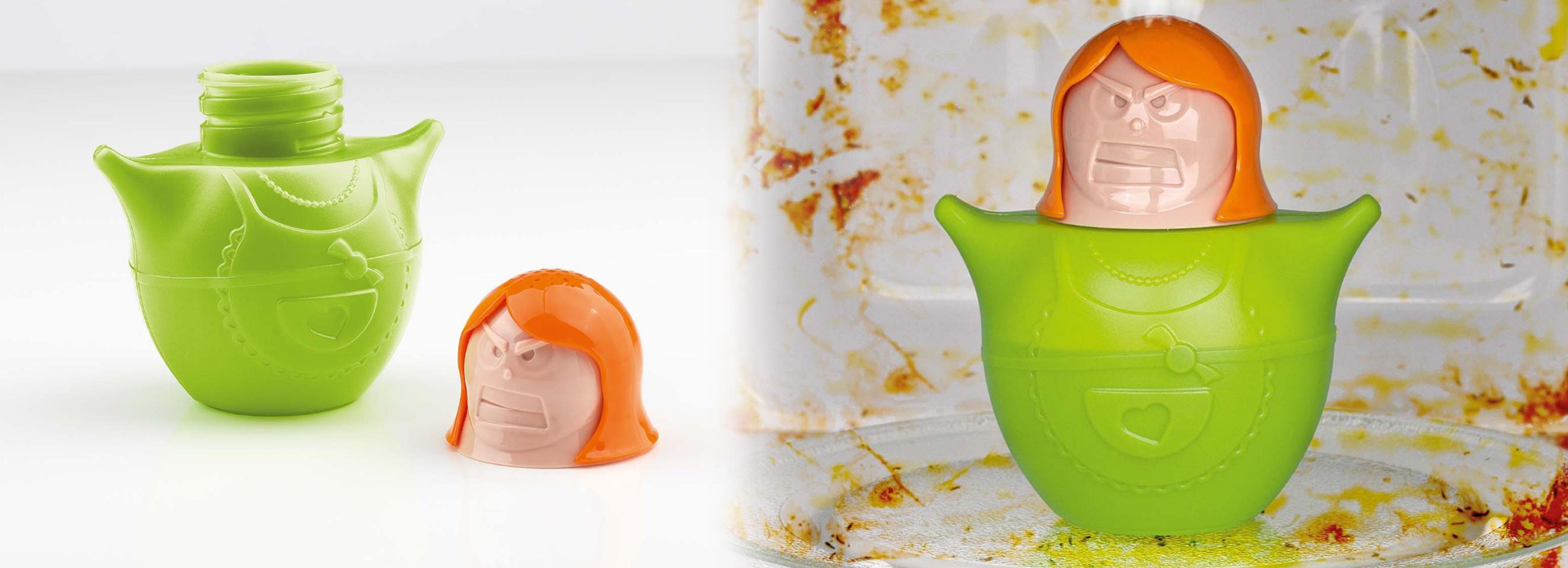Dispozitiv curatare cuptor cu microunde
